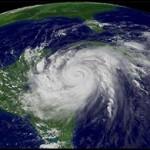 【画像】台風を上空から見たら想像以上にビビる件!台風の驚異!台風の目
